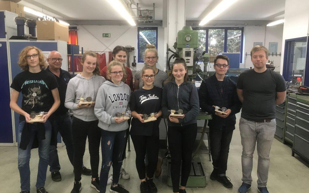 Emsland-Schüler bauen Sterling-Motoren