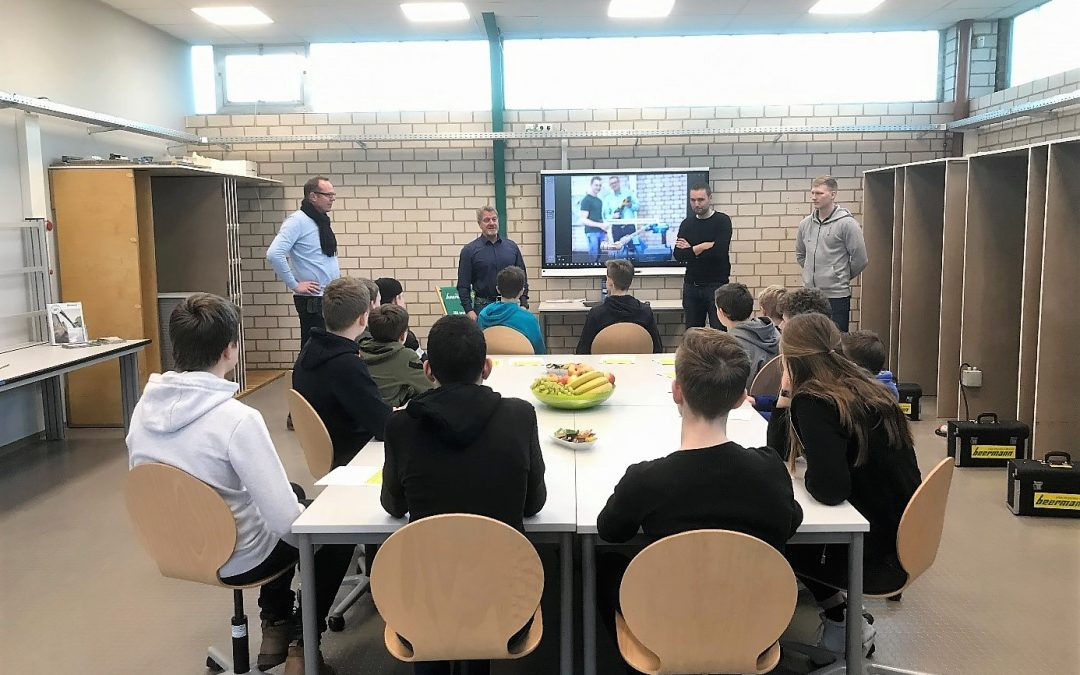 Kooperation Schule – Wirtschaft: Physik-Unterricht am Emsland praktisch gestaltet!