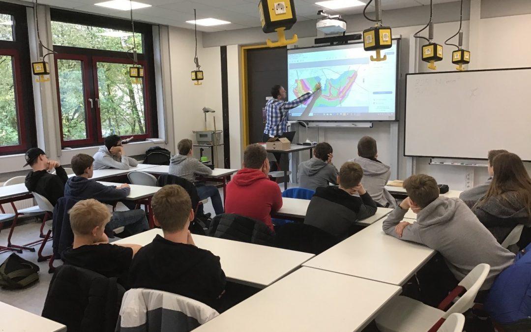 Teamwork wird großgeschrieben – praktische Einblicke in den Ingenieursberuf am Emsland-Gymnasium